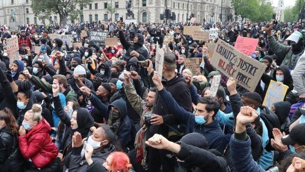 Tranh cãi gay gắt về làn sóng biểu tình tại Vương quốc Anh  - ảnh 1
