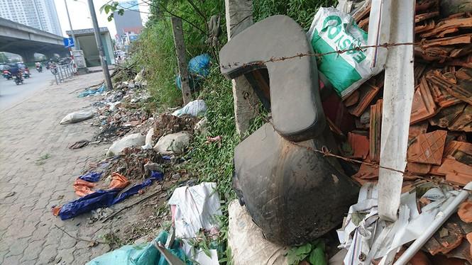 Hà Nội: Khốn khổ vì bãi rác thải nằm chình ình ngay trong nội đô - ảnh 8