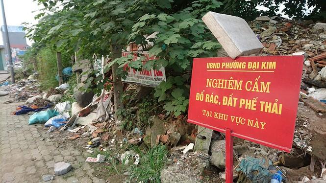Hà Nội: Khốn khổ vì bãi rác thải nằm chình ình ngay trong nội đô - ảnh 1