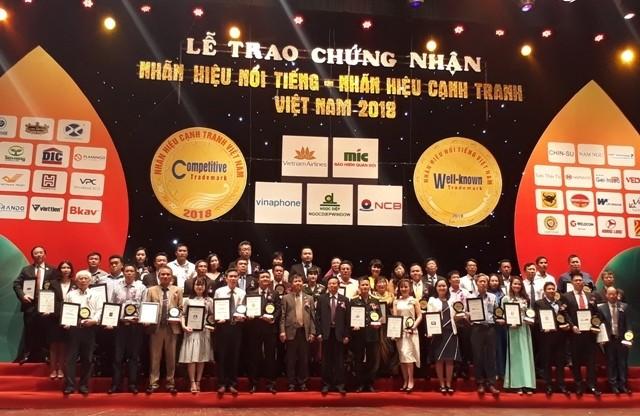 Vietnam Airlines lọt Top 10 nhãn hiệu nổi tiếng nhất Việt Nam - ảnh 1
