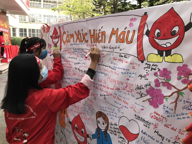 Sinh viên Đại học Y dược Thái Nguyên: Giọt máu cho đi là giọt máu còn mãi - ảnh 10