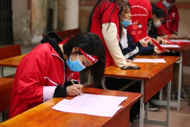 Sinh viên Đại học Y dược Thái Nguyên: Giọt máu cho đi là giọt máu còn mãi - ảnh 6