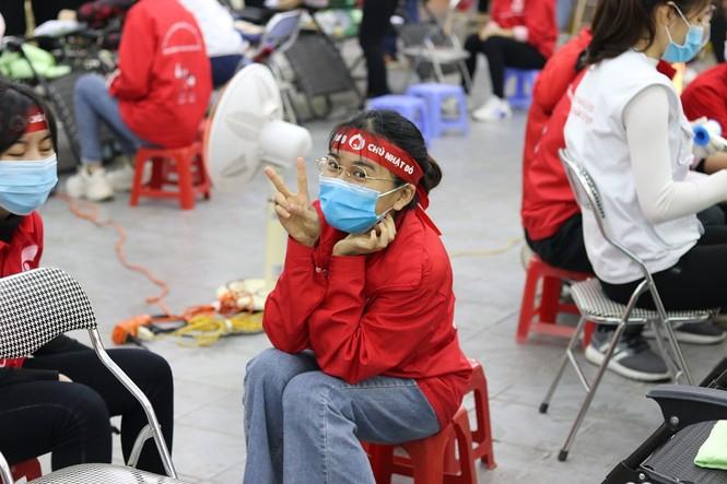 Sinh viên Đại học Y dược Thái Nguyên: Giọt máu cho đi là giọt máu còn mãi - ảnh 5