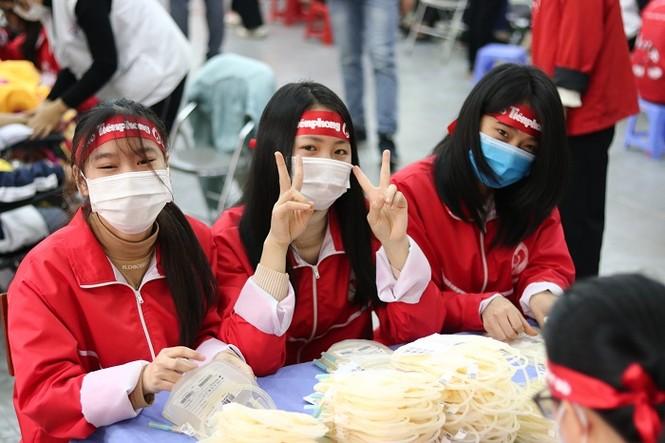 Sinh viên Đại học Y dược Thái Nguyên: Giọt máu cho đi là giọt máu còn mãi - ảnh 2