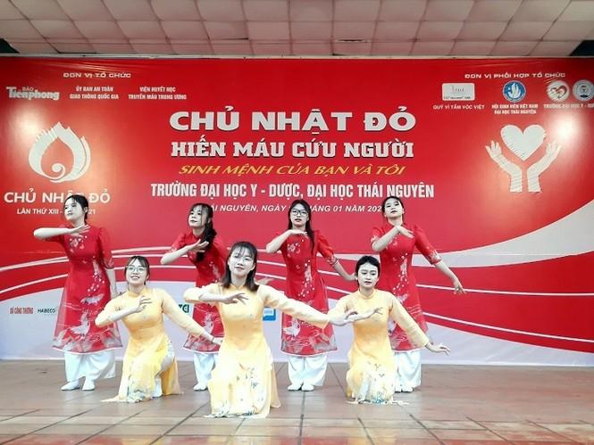 Sinh viên Đại học Y dược Thái Nguyên: Giọt máu cho đi là giọt máu còn mãi - ảnh 4