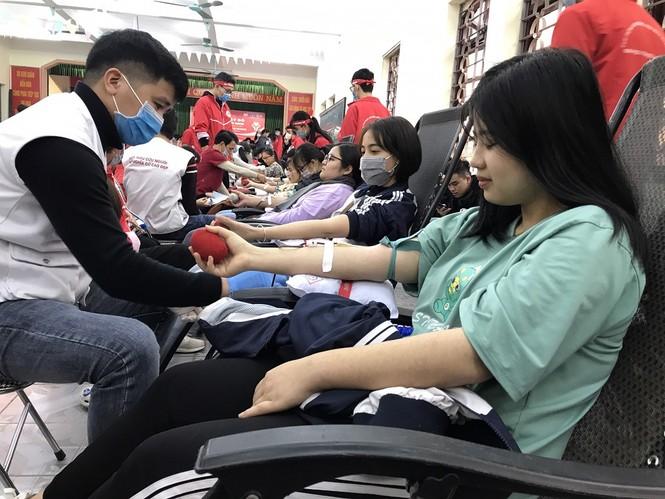 Sinh viên Đại học Y dược Thái Nguyên: Giọt máu cho đi là giọt máu còn mãi - ảnh 8