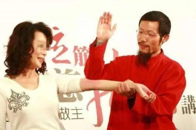 'Thần y' người Trung Quốc bị Australia bỏ tù - ảnh 1