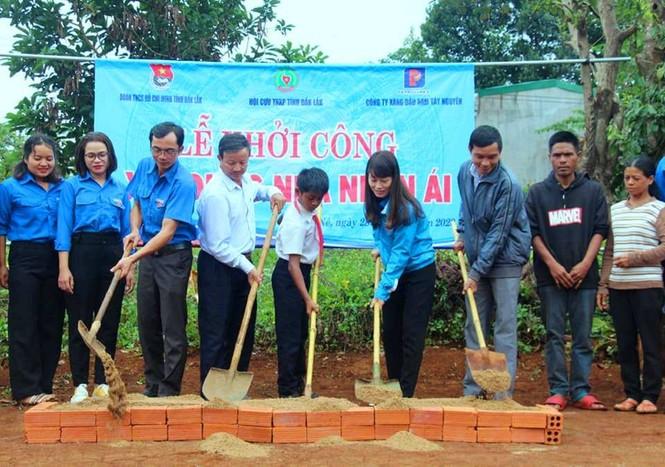 Tuổi trẻ Đắk Lắk mang niềm vui về buôn làng - ảnh 3
