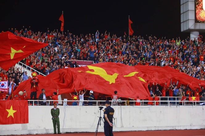 Đánh bại UAE, tuyển Việt Nam lên đầu bảng - ảnh 28