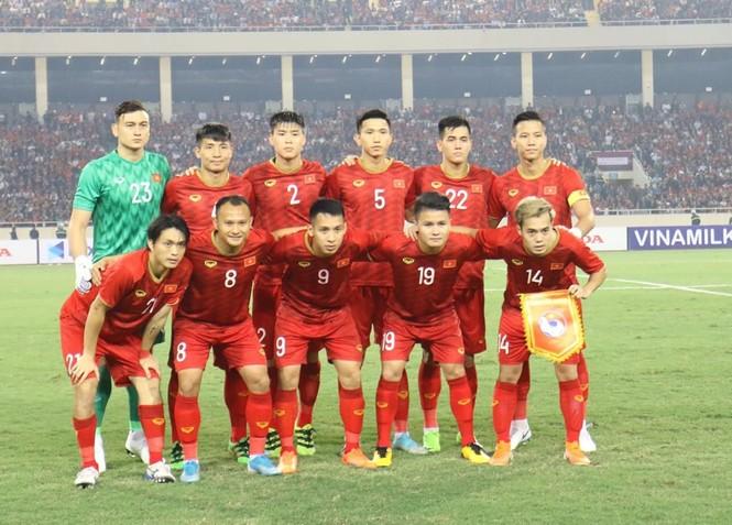 Đánh bại UAE, tuyển Việt Nam lên đầu bảng - ảnh 16