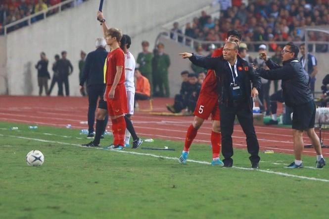 Đánh bại UAE, tuyển Việt Nam lên đầu bảng - ảnh 35