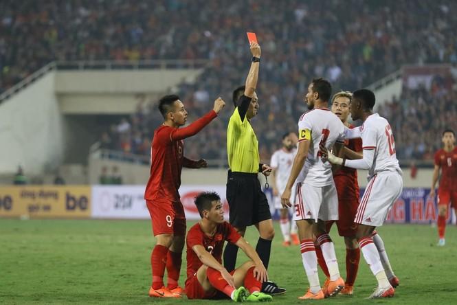 Đánh bại UAE, tuyển Việt Nam lên đầu bảng - ảnh 24