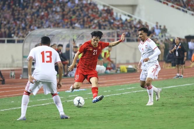 Đánh bại UAE, tuyển Việt Nam lên đầu bảng - ảnh 17