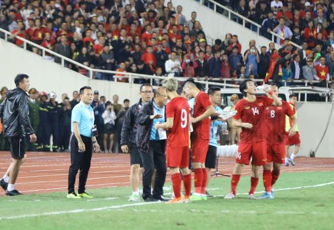 Bàn thắng không được công nhận, tuyển Việt Nam chia điểm với Thái Lan - ảnh 25