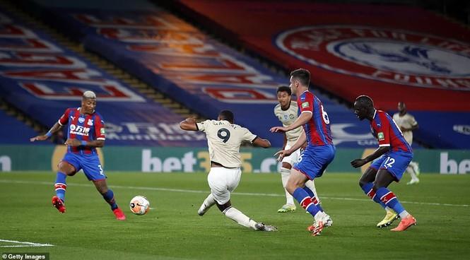 Rashford tỏa sáng, M.U đua 'tam mã' với Chelsea và Leicester - ảnh 1