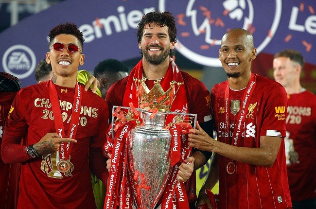 Anfield đỏ rực pháo hoa ngày Liverpool đón cúp vô địch - ảnh 10