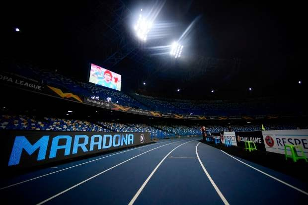 Napoli thắng đậm sau buổi lễ tri ân Maradona đầy xúc động - ảnh 8