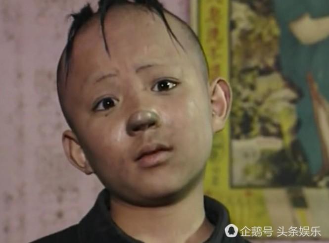 Câu chuyện chỏm tóc gây ám ảnh của diễn viên từng đóng vai 'Tam Mao' cách đây 24 năm - ảnh 2