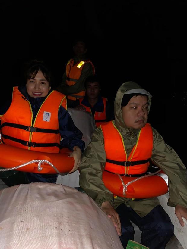 Đưa thai phụ đi cấp cứu, xe cứu trợ của Hòa Minzy bị ném đá vỡ kính - ảnh 3