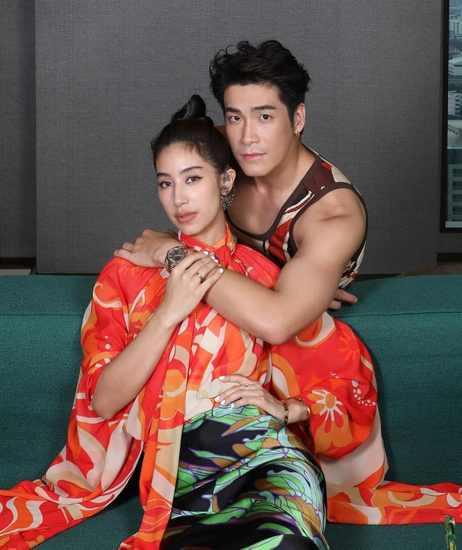 'Điên nữ' Seo Ye Ji nóng bỏng với vòng một 'bức thở', diện bộ đầm nửa tỷ lên thảm đỏ - ảnh 13