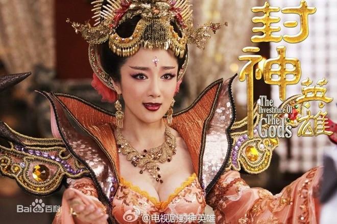 Nóng mắt với độ khêu gợi của 'nàng Đát Kỷ hở hang nhất màn ảnh Hoa ngữ' - ảnh 3