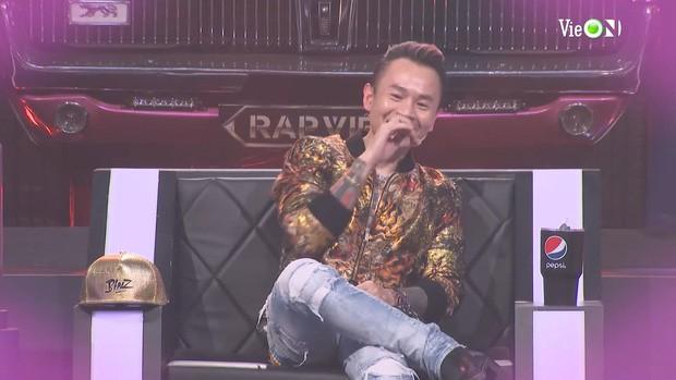 Yuno BigBoi rap 'gu của anh là Châu Á', Binz đỏ mặt khi nghe Karik gọi tên Châu Bùi  - ảnh 4