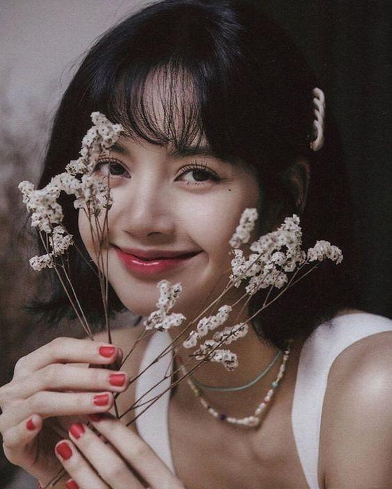 Top 10 mỹ nhân đẹp nhất châu Á, Lisa (Blackpink) 'vượt mặt' Địch Lệ Nhiệt Ba - ảnh 1