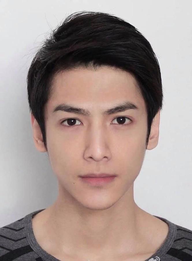 Ảnh 'xinh gái' từ bé của tài tử Tạ Đình Phong khiến fan 'mắt tròn mắt dẹt' - ảnh 5