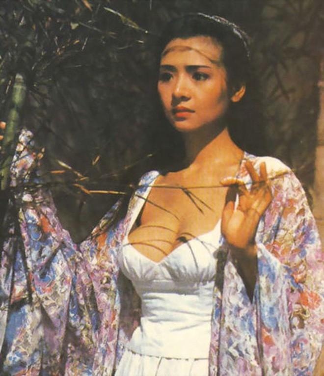 Nhìn lại những hình ảnh 'bốc lửa' của 'bom sex' Hồng Kông thập niên 90 Diệp Tử My - ảnh 2