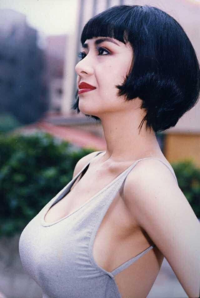 Nhìn lại những hình ảnh 'bốc lửa' của 'bom sex' Hồng Kông thập niên 90 Diệp Tử My - ảnh 3