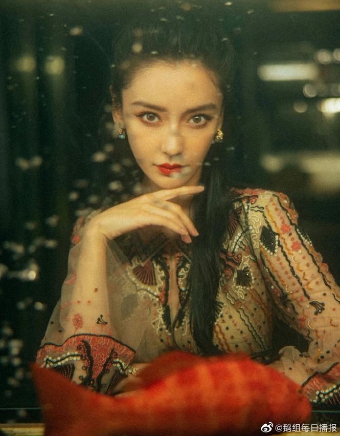 Bất ngờ trước hình ảnh 'Bao Thanh Thiên' Kim Siêu Quần ở tuổi U70  - ảnh 7