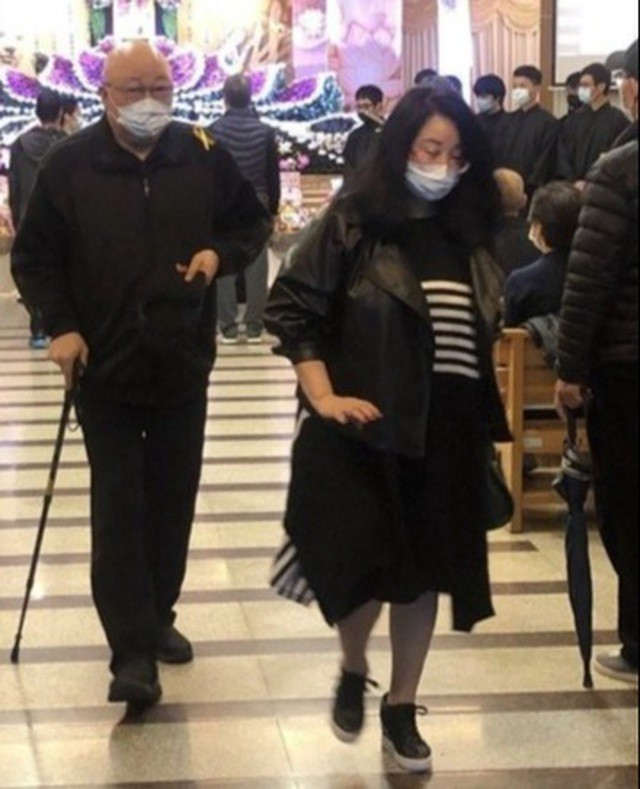 Bất ngờ trước hình ảnh 'Bao Thanh Thiên' Kim Siêu Quần ở tuổi U70  - ảnh 1