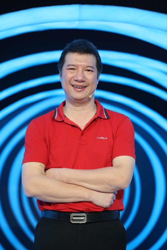 BLV Quang Huy tiết lộ tháng lương đầu tiên bình luận bóng đá chỉ 500 nghìn đồng