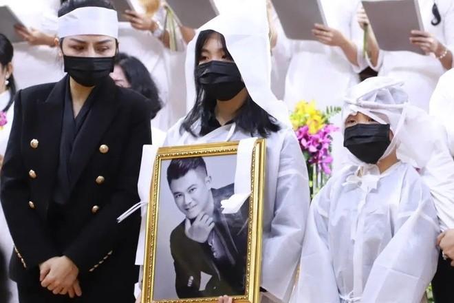 Tro cốt Vân Quang Long đã đưa về Việt Nam, lễ an táng tổ chức ngày 20/1 - ảnh 2