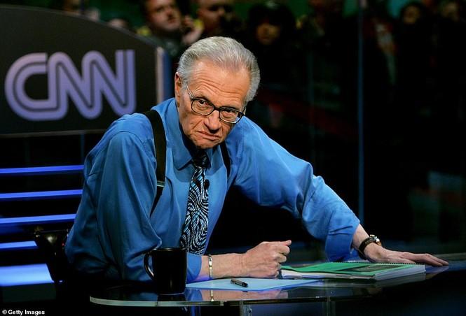 Huyền thoại truyền hình Larry King qua đời ở tuổi 87 sau mắc COVID-19 - ảnh 2