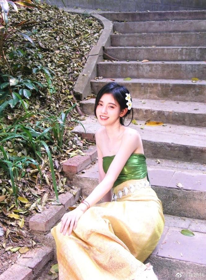 Diện đồ Thái, 'mỹ nữ 4000 năm' đẹp mơ màng như nàng thơ khiến dân tình mê mẩn  - ảnh 3