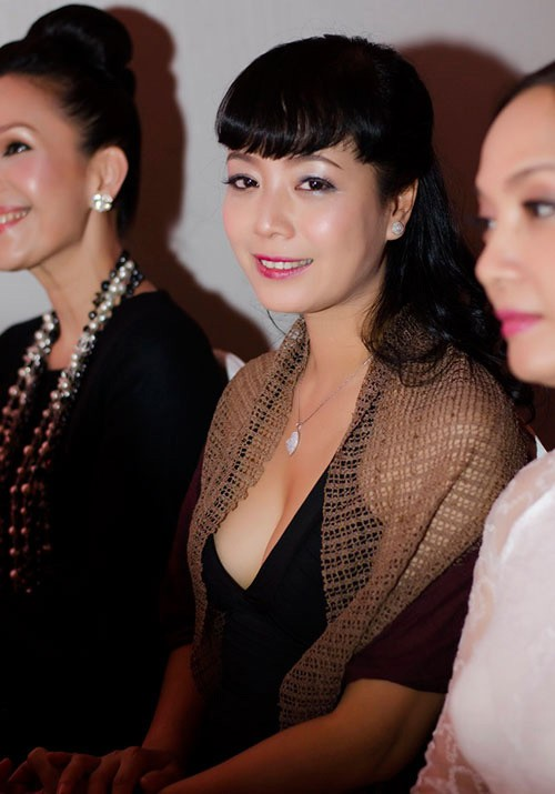 Thân hình gợi cảm với bikini của nghệ sĩ Chiều Xuân ở tuổi 52 - ảnh 6