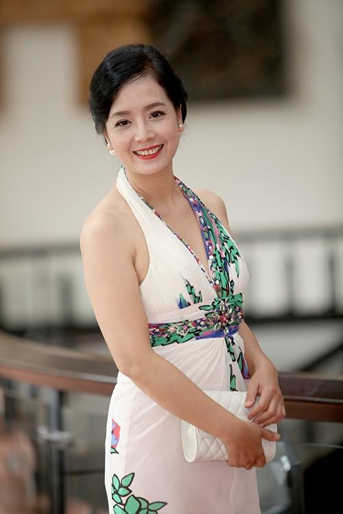 Thân hình gợi cảm với bikini của nghệ sĩ Chiều Xuân ở tuổi 52 - ảnh 7