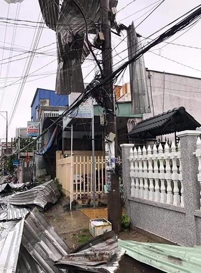 Hơn 600 căn nhà ở miền Tây bị sập, tốc mái trong mưa giông - ảnh 1
