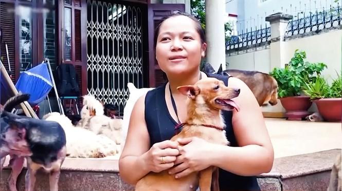 Cô gái tuyên bố không sinh con để có thời gian chăm sóc chó hoang gây tranh cãi - ảnh 5