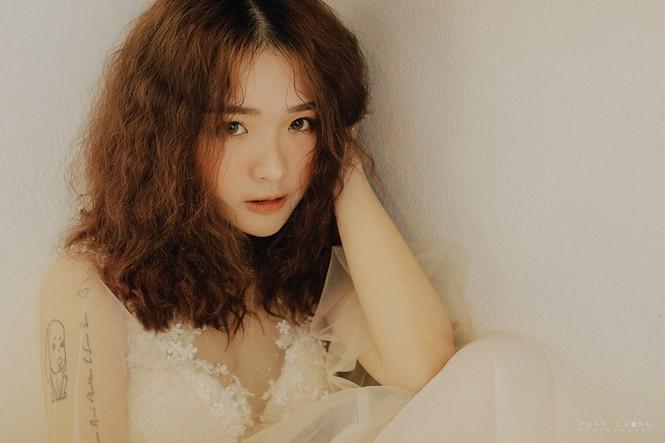 Hot girl cưỡng hôn đồng giới Dương trong 'Về nhà đi con' ngoại truyện là ai? - ảnh 10