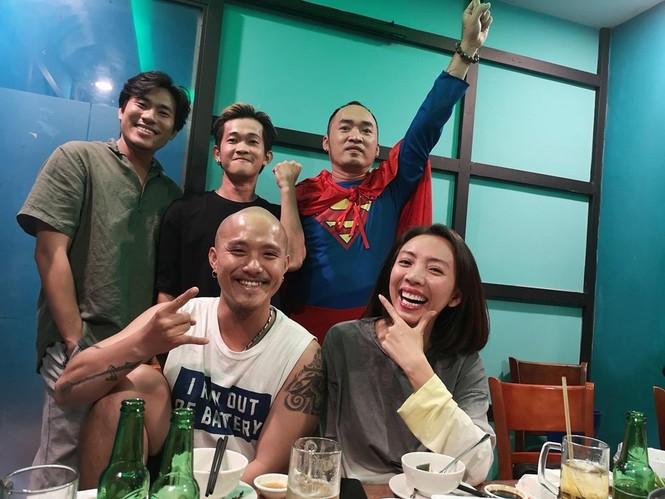 Nhiều sao Việt được phong 'thánh dự đoán tỉ số' khi Việt Nam thắng Indonesia - ảnh 4