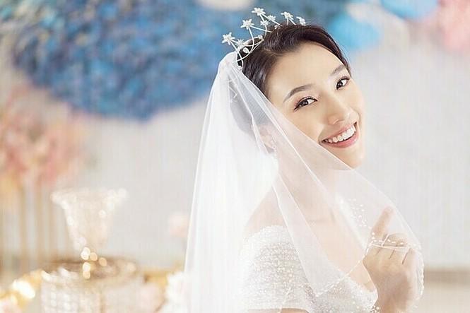 Bạn trai Tây sắp kết hôn với MC Hoàng Oanh là ai? - ảnh 3
