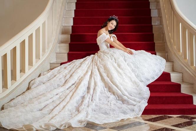 Bạn trai Tây sắp kết hôn với MC Hoàng Oanh là ai? - ảnh 6