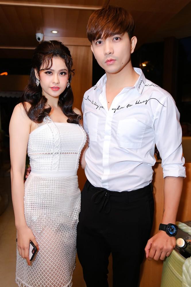 Tim và Trương Quỳnh Anh bị bắt gặp thân mật cùng nhau ở Thái Lan  - ảnh 6