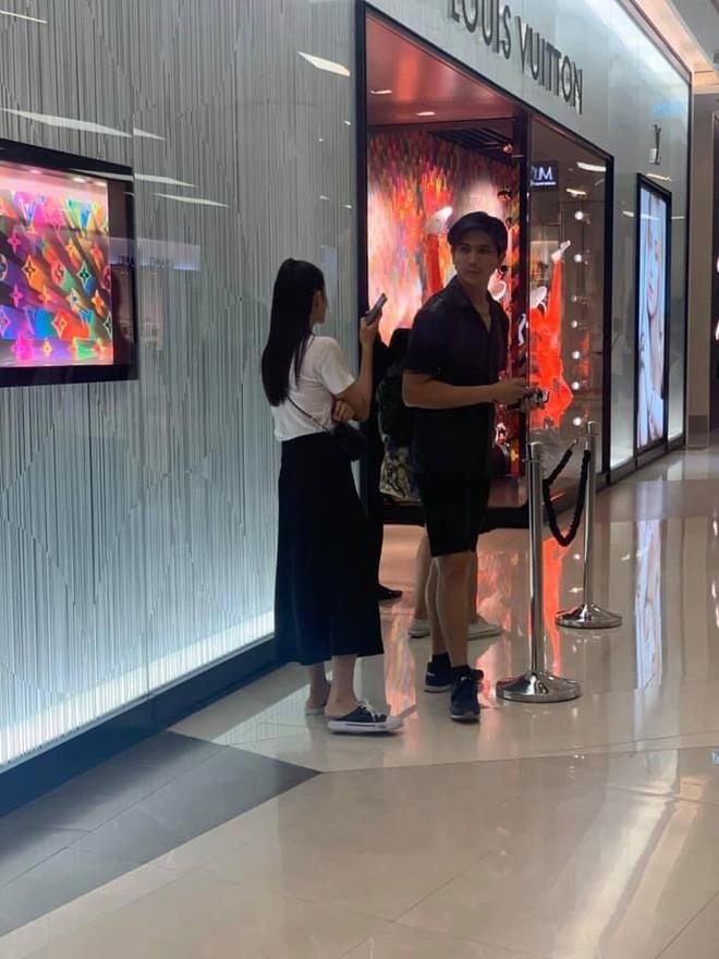 Tim và Trương Quỳnh Anh bị bắt gặp thân mật cùng nhau ở Thái Lan  - ảnh 1