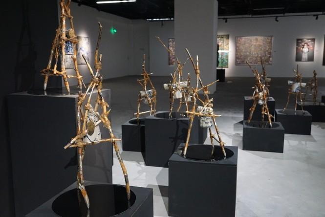 Ngắm những tác phẩm điêu khắc độc đáo của các nghệ sĩ tiêu biểu châu Á  - ảnh 8