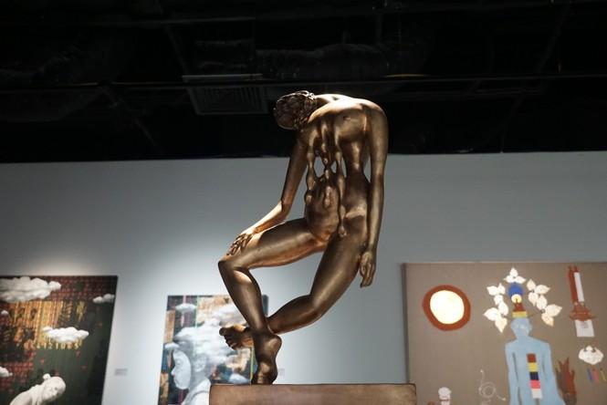 Ngắm những tác phẩm điêu khắc độc đáo của các nghệ sĩ tiêu biểu châu Á  - ảnh 11