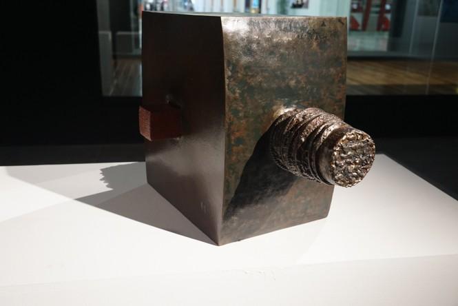 Ngắm những tác phẩm điêu khắc độc đáo của các nghệ sĩ tiêu biểu châu Á  - ảnh 16