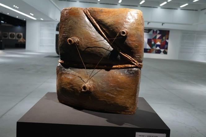 Ngắm những tác phẩm điêu khắc độc đáo của các nghệ sĩ tiêu biểu châu Á  - ảnh 1